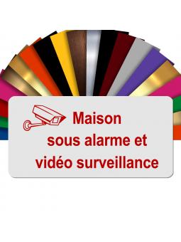 Plaque - Maison Sous Alarme Et Vidéosurveillance - Autocollante – Plaque De Maison PVC Adhésive 10 x 5 cm (Blanc écrit Rouge)
