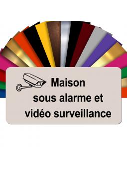 Plaque - Maison Sous Alarme Et Vidéosurveillance - Autocollante – Plaque De Maison PVC Adhésive 10 x 5 cm (Beige)