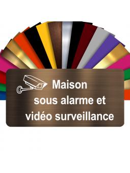 Plaque - Maison Sous Alarme Et Vidéosurveillance - Autocollante – Plaque De Maison PVC Adhésive 10 x 5 cm (Bronze écrit Blanc)