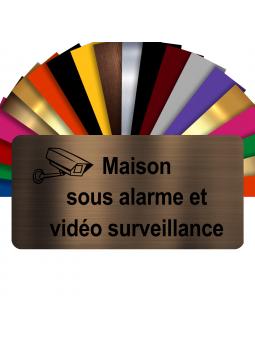 Plaque - Maison Sous Alarme Et Vidéosurveillance - Autocollante – Plaque De Maison PVC Adhésive 10 x 5 cm (Bronze écrit Noir)