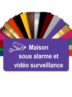 Plaque - Maison Sous Alarme Et Vidéosurveillance - Autocollante – Plaque De Maison PVC Adhésive 10 x 5 cm (Violet)