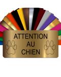 Plaque Attention Au Chien Autocollante – Plaque De Maison PVC Adhésive 10 x 5 cm (Or Mat)