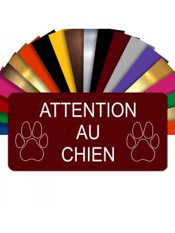 Plaque Attention Au Chien Autocollante – Plaque De Maison PVC Adhésive 10 x 5 cm (Bordeaux)